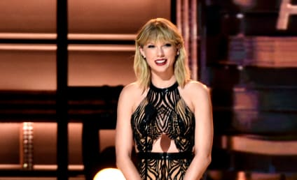 Taylor Swift Continues Comeback, Presents at CMA Awards