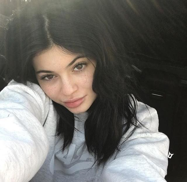 Kylie Jenner Shows Off Freckles