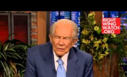 "Pat Robertson Labels Robin Williams a ""Heathen,"" Blames Suicide on Lack of Faith"