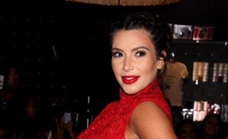 Kim Kardashian Pregnant Shot