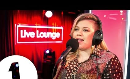Kelly Clarkson Covers Rihanna: Listen Here!