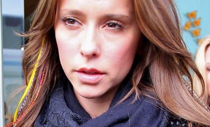 Janice Dickinson Defends Jennifer Love Hewitt, Bashes Tyra Banks