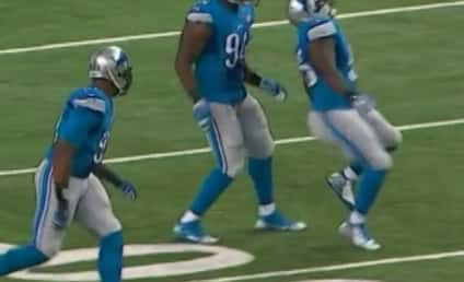 Stephen Tulloch Celebrates Defensive Stop, Badly Injures ACL