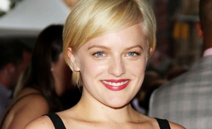 Celebrity Hair Affair: Elisabeth Moss Goes Blonde