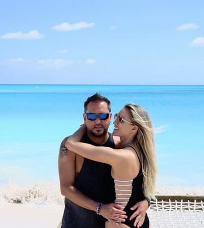 Jason Aldean Vacations with Brittany Kerr Aldean