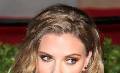 Scarlett Johansson Bed Head