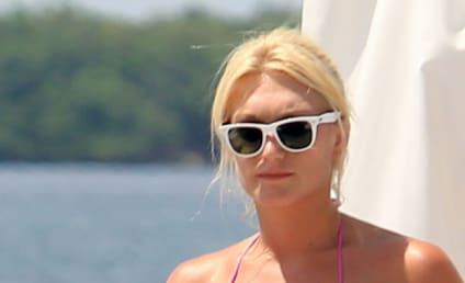 A Brooke Hogan Bikini Moment