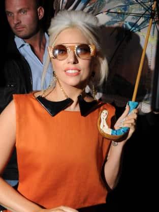 Gaga, Umbrella