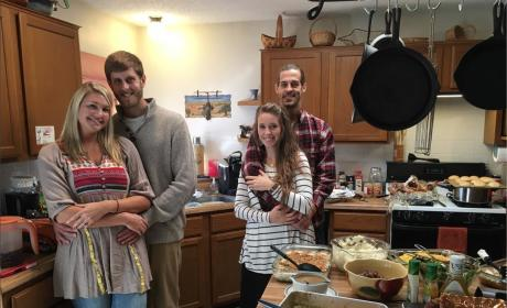 Jill Duggar Baby Bump Thanksgiving Photo