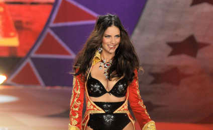 Victoria's Secret Fashion Face-Off: Adriana Lima vs. Erin Heatherton