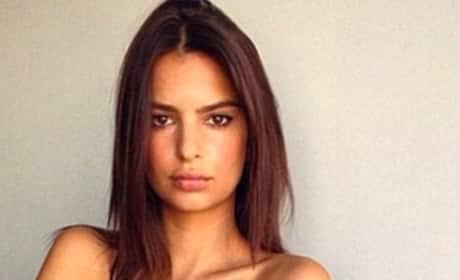 Emily Ratajkowski Hot Topless Picture
