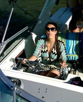 Kim Kardashian Twitter Pic