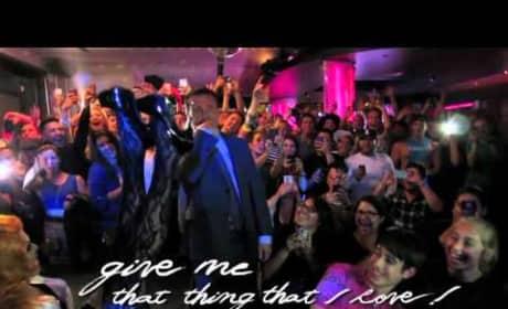 Lady Gaga - Applause (Lyric Video)