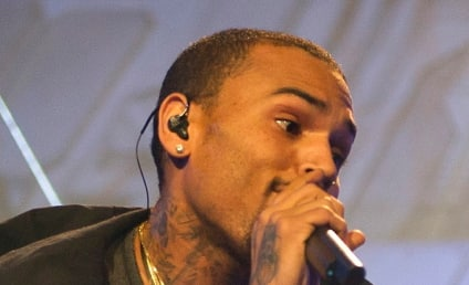 "Chris Brown and Rihanna Split; R&B Star Confirms ""Im'ma Do It Solo"""