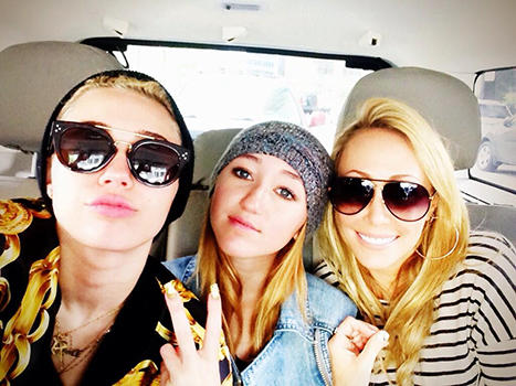 Miley, Sister and Mom