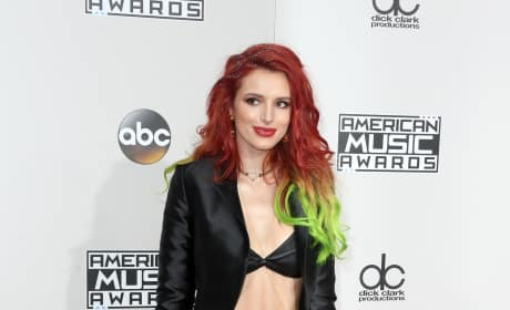 Bella Thorne at the AMAs