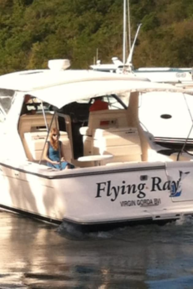 Taylor Swift On Boat Leaving BVI