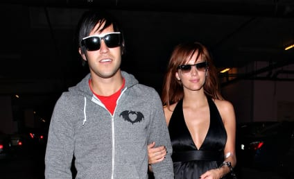 Ashlee Simpson, Pete Wentz Get Cozy at Da Club