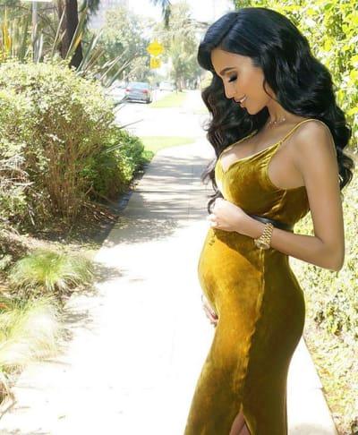 Lilly Ghalichi Baby Bump