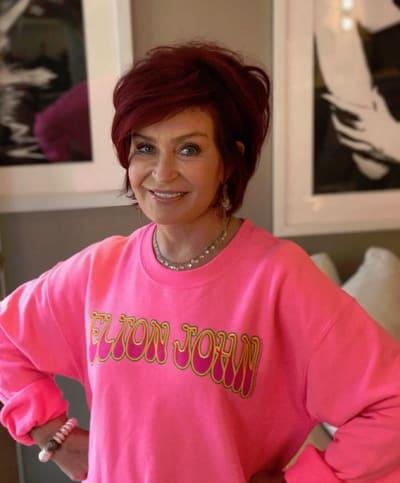 Sharon Osbourne, Big Pink Sweatshirt