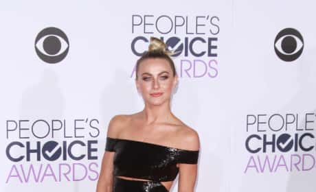 Julianne Hough: 2016 People's Choice Awards