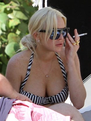 Lindsay Lohan is SMOKIN'