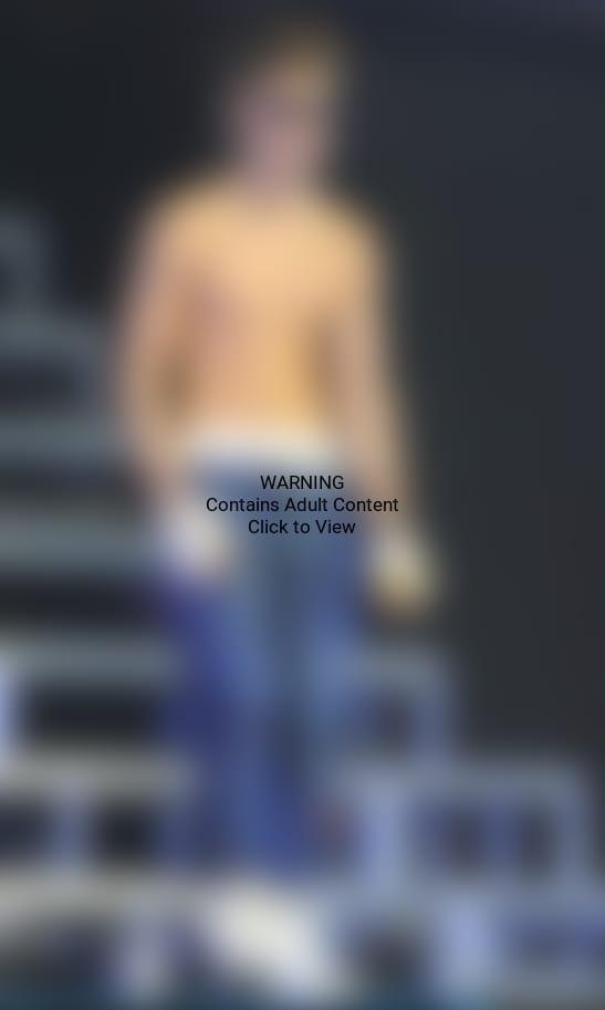 Topless Justin Bieber