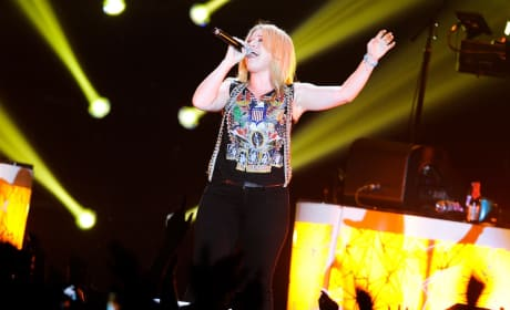 Kelly Clarkson Abroad