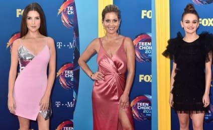 Teen Choice Awards Fashion: Who Wore It Worst?