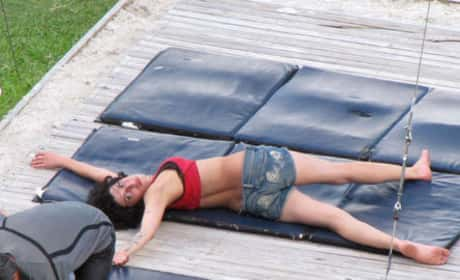 Amy Winehouse Passed Out Drunk