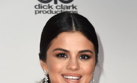 Selena Gomez at the AMAs in 2016