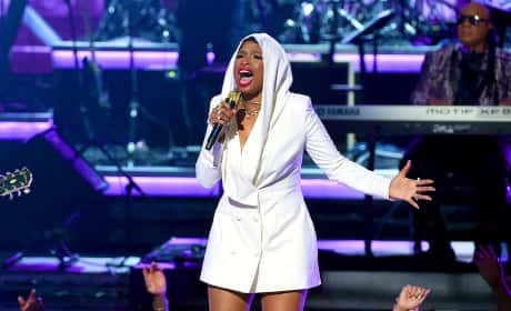 Jennifer Hudson Honors Prince at 2016 BET Awards