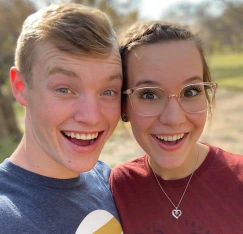 Justin y Claire Duggar como recién casados