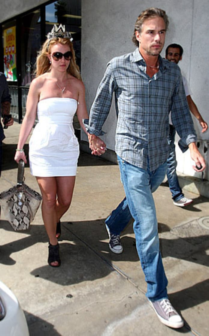 britney-spears-and-jason-trawick-back-on
