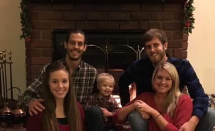 Jill Duggar: Hiding Baby Bump in New Holiday Photo?!
