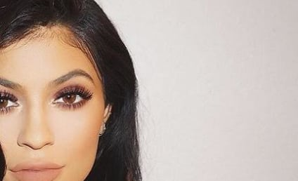 Kylie Jenner: Wearing Engagement Ring in Public?!