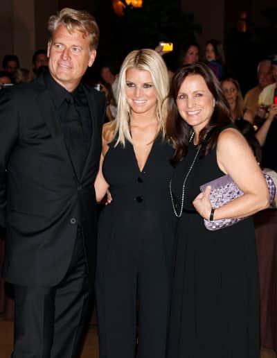 Joe, Jessica and Tina Simpson