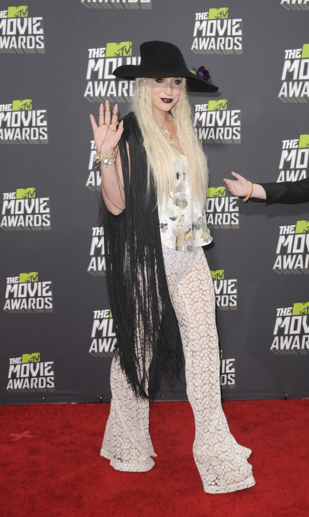 Ke$ha at MTV Movie Awards