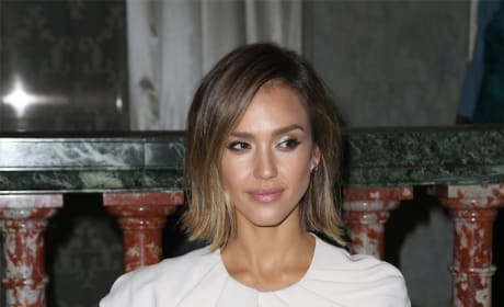 Jessica Alba Looking Fresh!