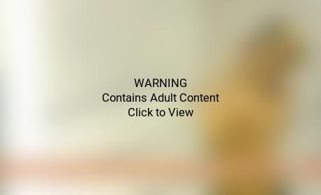 Rihanna Topless Sexting Pic