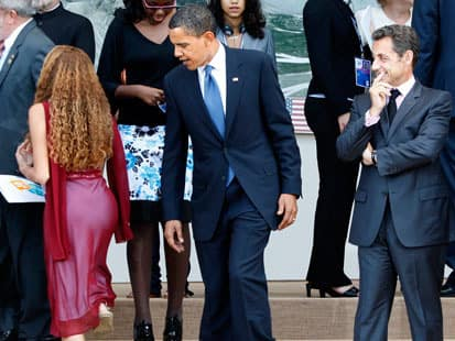 Obama Checks Out Girl