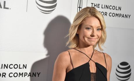 Kelly Ripa Smiles