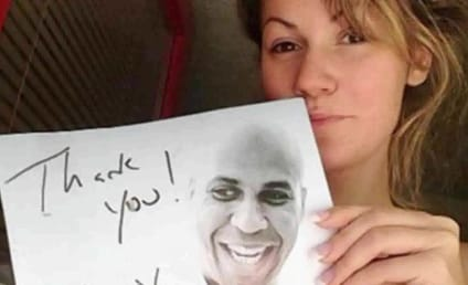 Cory Booker, Stripper Lynsie Lee Trade Flirty Tweets
