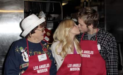 Heidi Montag and Spencer Pratt Give Back