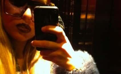 Amanda Bynes Joins Instagram... Is Her Usual Self