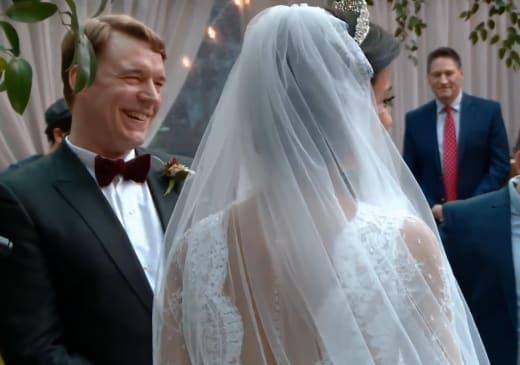 Michael Jessen rayonne à la mariée Juliana Custodio