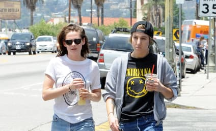Kristen Stewart Really is Dating Alicia Cargile!