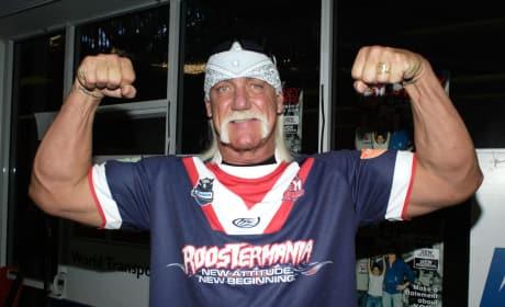 Hulk Hogan Flexing