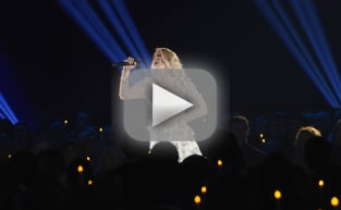 Carrie Underwood Breaks Down During Tribute to Shooting Victims