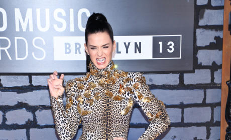 Katy Perry, Grill